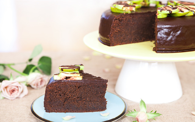Easy-peasy and delicious chocolate cake