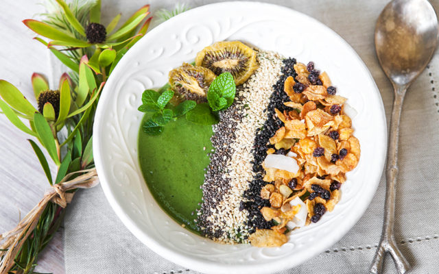 How to Create Perfect Green Breakfast Bowl. Recipe and Video.