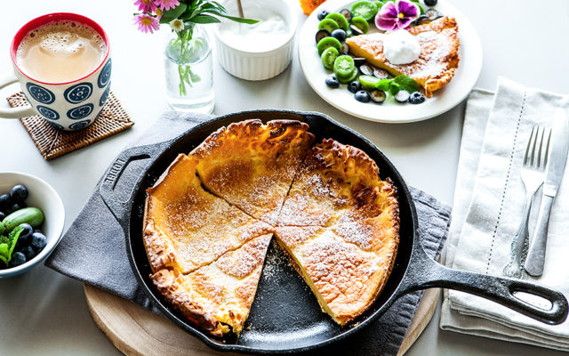Dutch Baby Pancake, Coconut Yoghurt and Berries. Quick and Easy Breakfast. Recipe and Video.
